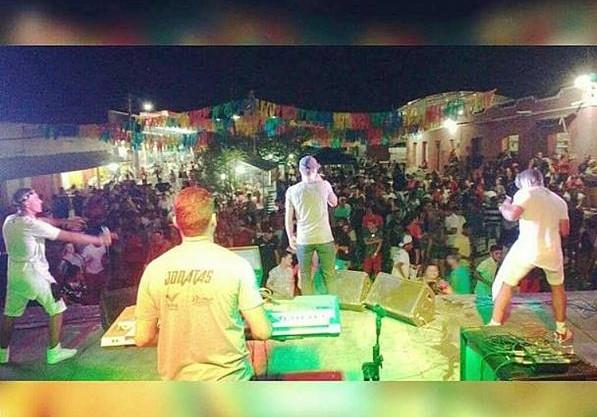 Carnaval de Barro Duro é realizado com grande sucesso de público; veja imagens