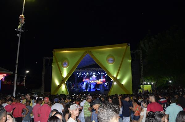 Multidão lota Arena da Alegria no encerramento do Carnaval de Água Branca; veja imagens
