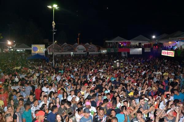 Blog do Fábio Lopes: imagens da segunda noite de Carnaval em Água Branca