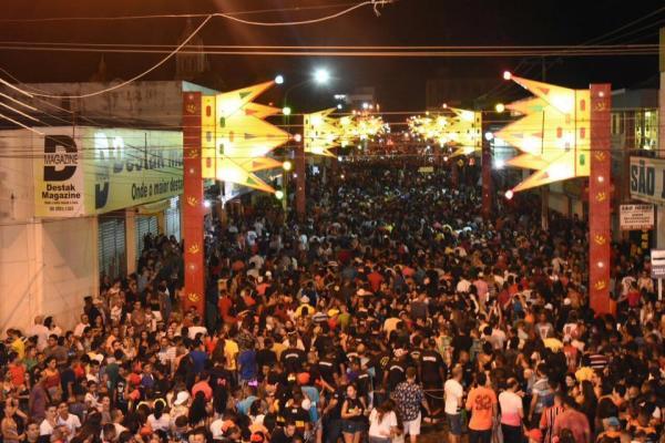 Carnaval de Floriano sacode milhares de pessoas com sua programação
