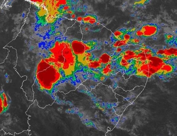Nuvem com 100 km de extensão poderá causar enxurradas no Médio Parnaíba e em outras cidades do sul do Piauí