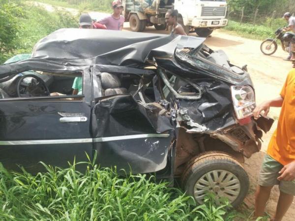 Grave acidente entre carro e moto mata professor do IFPI no Piauí