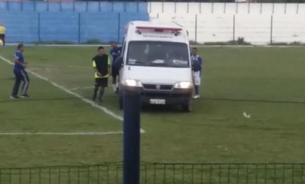 Jogador passa mal em partida de futebol e ambulância quebra na hora do atendimento; caso aconteceu no PI