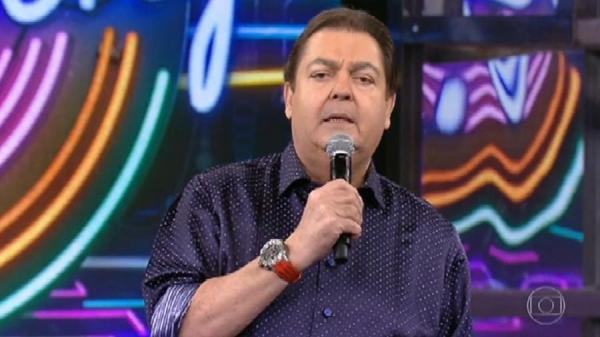 Faustão se revolta e diz que não canta mais tema de fim de ano da Globo