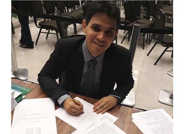 """Banda Larga: prefeito Júnior Ribeiro adere ao programa """"Internet para Todos"""""""