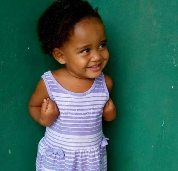 Criança de apenas 2 anos morre afogada dentro de balde em cidade do Piauí