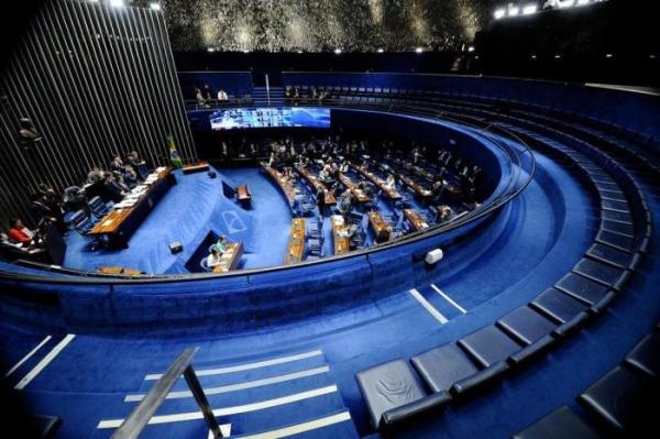 Senado aprova pena maior para feminicídio, e texto agora vai à Câmara