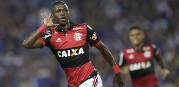 Vinicius Júnior em comemoração ao primeiro gol
