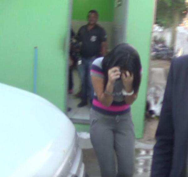 5 mulheres com drogas nas partes íntimas são presas na Irmão Guido