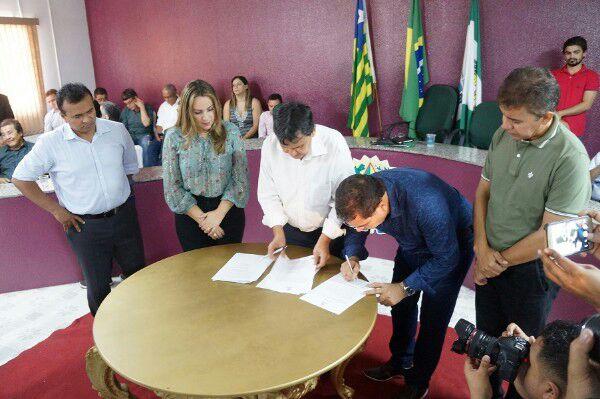 Governador Welligton Dias e sua comitiva em Demerval Lobão