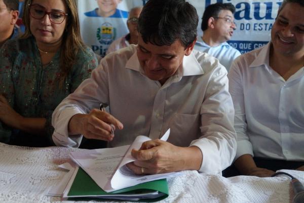 Governador W. Dias autoriza vestibular da UAPI com 50 vagas para Miguel Leão