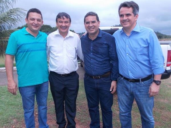 Prefeito Hélio Rodrigues acompanha comitiva do governador em visita a municípios do Médio Parnaíba