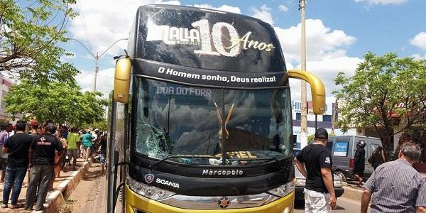 Acidente com o ônibus da banda Malla 100Alça deixa uma pessoa morta em Picos (Imagem: reprodução)