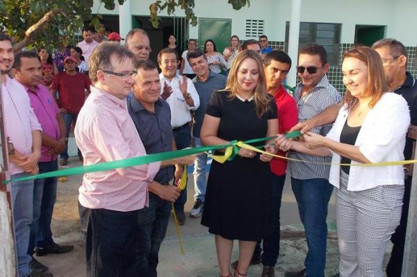 Secretária de Educação Rejane Dias participa de inauguração do Polo da UAPI em Hugo Napoleão