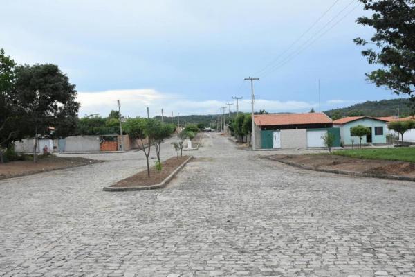 Ações de reparo e limpeza das vias públicas de Floriano continuam nesta quinta-feira (22)