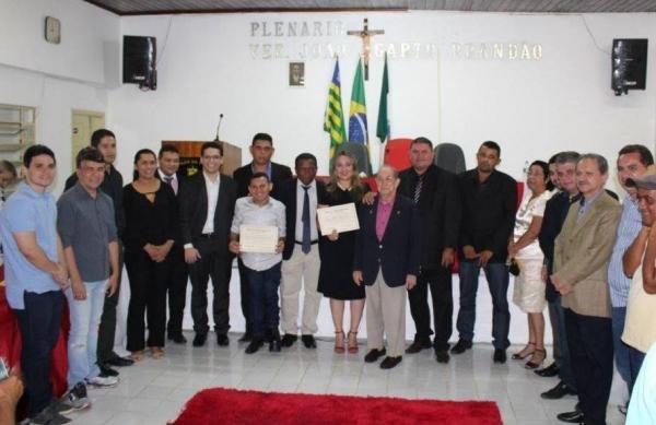 Secretários de Estado Rejane Dias e Mauro Eduardo recebem título de cidadania regenerense