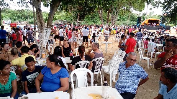 Prefeitura realiza Festa de Sábado de Aleluia na Orla da Lagoa da Baixa em Agricolândia