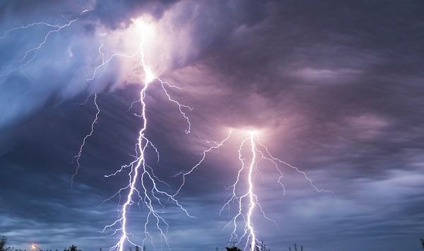 Tempestade de raios atinge Barro Duro e deixa vários aparelhos elétricos danificados