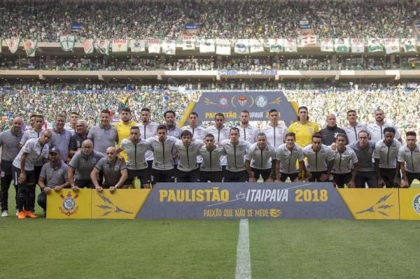 Corinthians bate Palmeiras nos pênaltis e é campeão Paulista