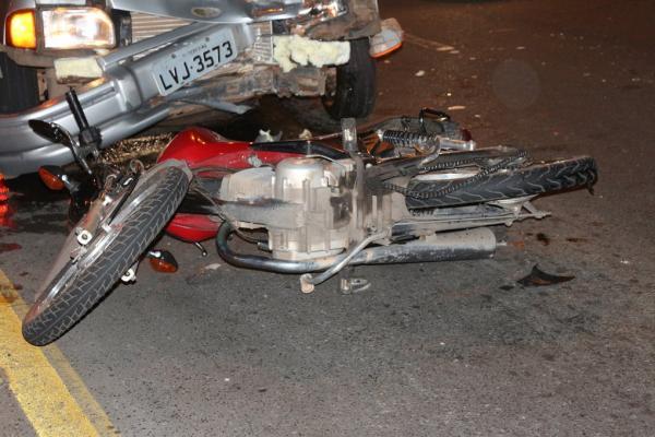 Casal fica ferido após ser arrastado por veículo em Teresina