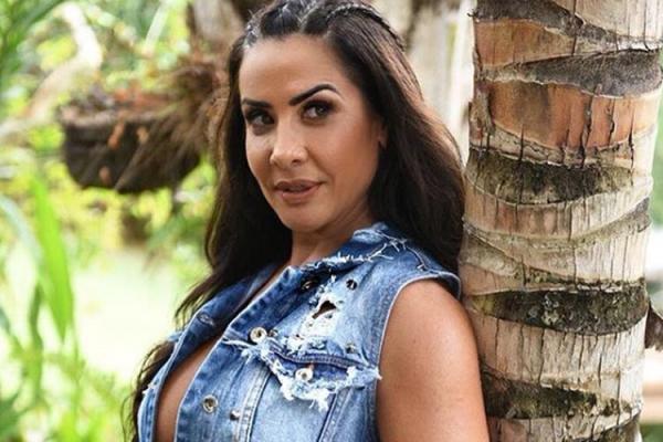 Scheila Carvalho pede indenização à ex-amante de seu marido