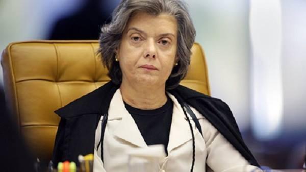Presidente do STF, Cármen Lúcia, assumirá a Presidência da República na sexta-feira