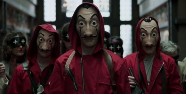 Grupo tenta roubar banco imitando série 'La Casa de Papel' e se dá muito mal