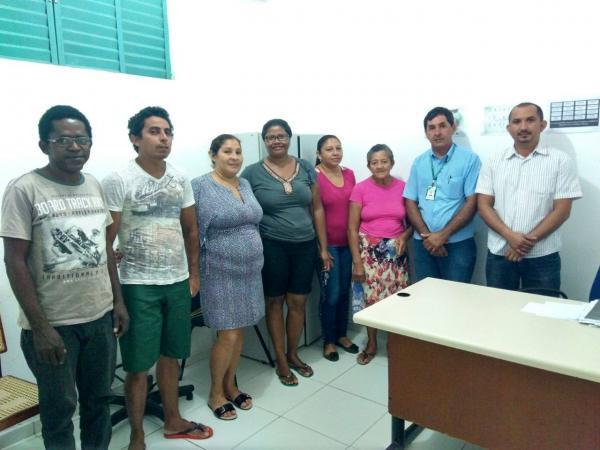 SEINFRA se reúne com vendedores da Praça Dr. Sebastião Martins