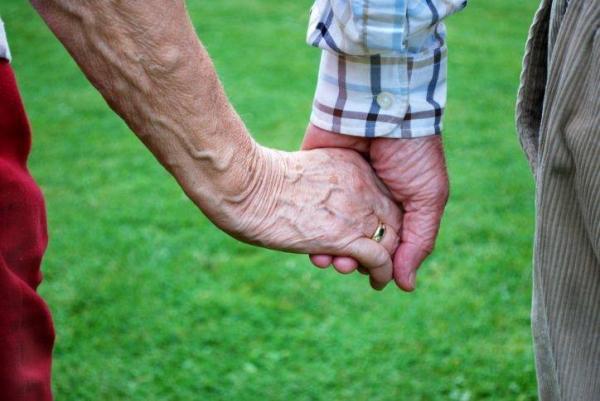 População usa redes sociais para denunciar casos de estelionato com idosos em Água Branca