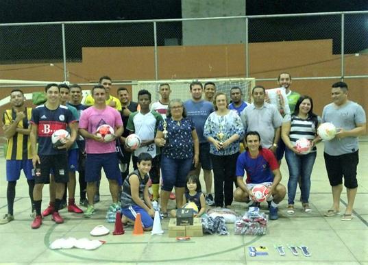 Angical do Piauí | Prefeita Neta Santos realiza entrega de material para o calendário esportivo 2018