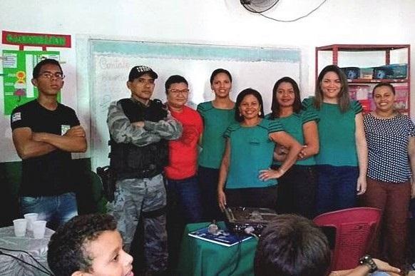Policial Militar da FT de Regeneração ministra palestra sobre a droga e seus efeitos em escola de Amarante