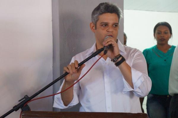 Miguel Leão - PI | Prefeito Robertinho Leão busca orientações para dar continuidade às obras inacabadas no município