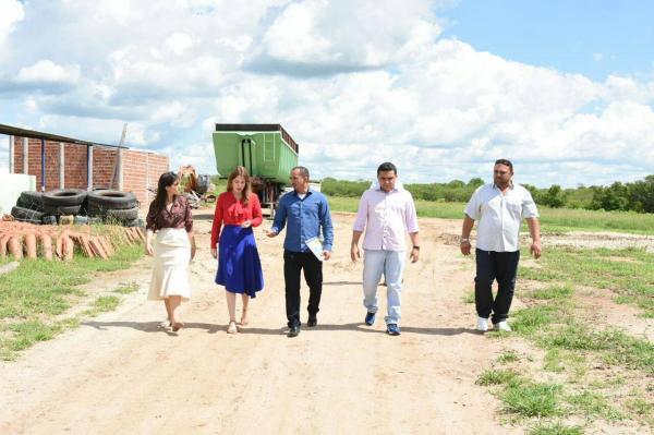 Floriano | Gestão municipal visita modelo inovador de aterro sanitário no Ceará