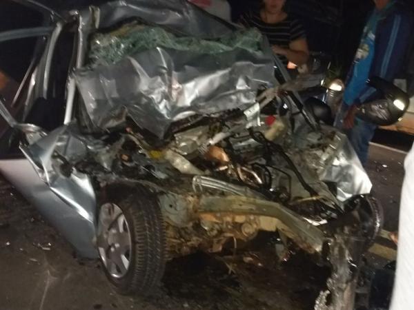Grave acidente na BR 343 deixa vítima presa às ferragens