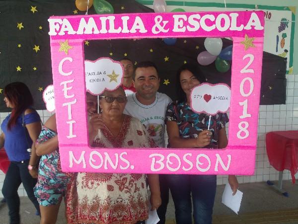 CETI Monsenhor Boson de Água Branca realiza projeto 'Família na Escola'