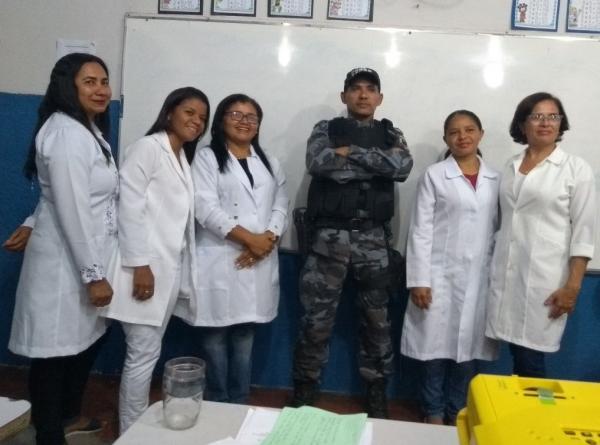 Policial da Força Tática ministra palestra para alunos e educadores de escola em Angical do Piauí