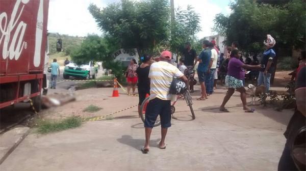 Resultado de imagem para TRAGÉDIA: Mulher é suspeita de matar pai e filho por vingança no Piauí