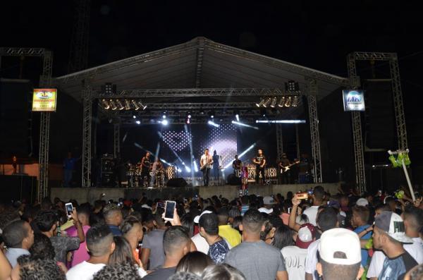 Grande multidão lota show de encerramento do festejo da cidade de Agricolândia; veja imagens