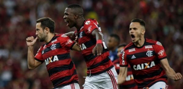 Libertadores: Flamengo vence no Maracanã e assegura vaga na próxima fase, e Palmeiras garante melhor campanha; veja