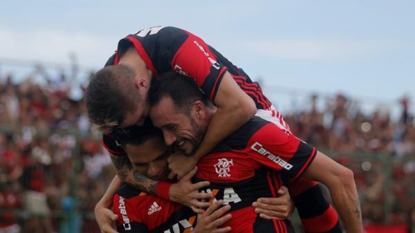 Flamengo goleia Nova Iguaçu e fica mais perto de disputar semifinal