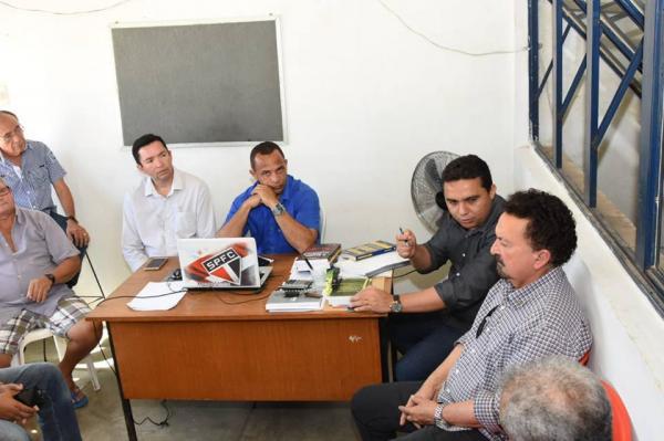 Reunião discute sede provisória para o Matadouro Municipal de Floriano