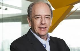 Presidente da Petrobras anuncia redução de 10% no diesel