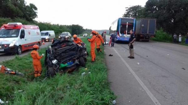 Cinco pessoas morrem em acidente com ônibus da Guanabara na BR-135