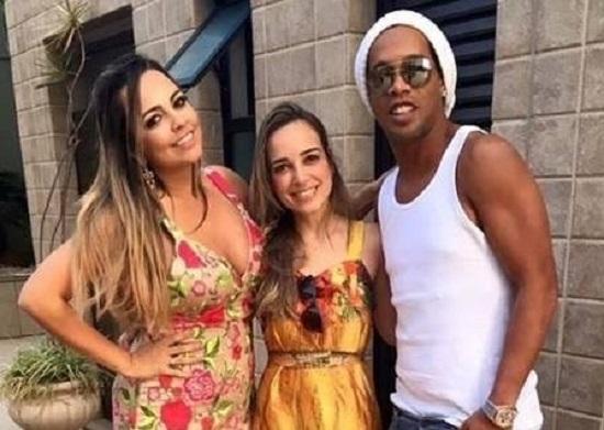Ronaldinho Gaúcho garante que não vai casar com duas mulheres