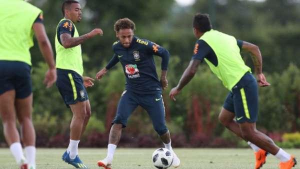 Seleção Brasileira faz último treino antes de amistoso com Croácia