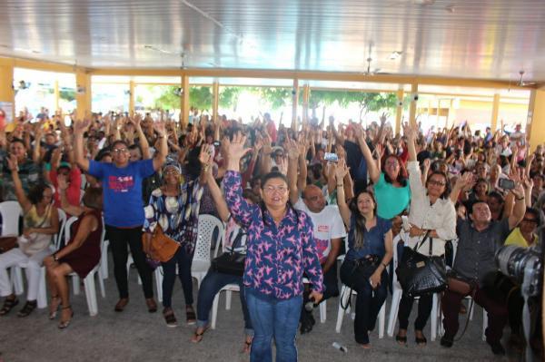 Trabalhadores em educação da rede estadual retomam a greve nesta quinta (07)