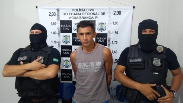 Polícia Civil de Água Branca cumpre mandado judicial e prende homem pelo crime de porte ilegal de armas em São Pedro do PI