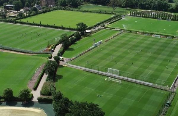 Seleção Brasileira se despede de Londres com treino em três campos