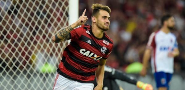 Em 'adeus' de Vinicius Jr, Fla bate o Paraná e garante a liderança pré- Copa