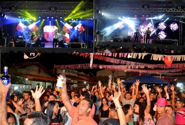 Waldo e Felipe e Os Meninos de Barão agitam público em grande show no festejo de Santo Antônio dos Milagres; imagens